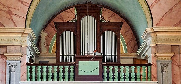 Varhany v kostele Navštívení P. Marie ve Stachách (foto Jiří Jaroch)