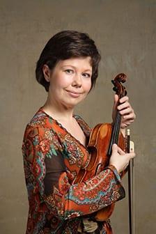 Lenka Torgersen, housle